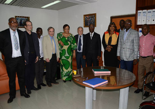 Projet e@Voire: l'informatisation du dossier médical des patients en cours d'installation en Côte d'Ivoire