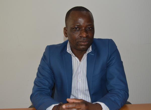 Serge Soro, entrepreneur social basé en Belgique et en Côte d'Ivoire vous propose votre dossier santé synchronisé sur votre mobile